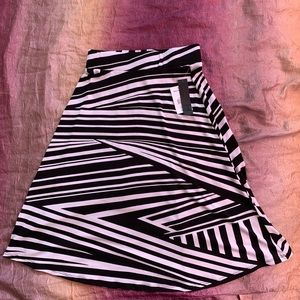 NWT HeartSoul black and white skirt